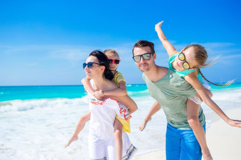 organize a trip with family