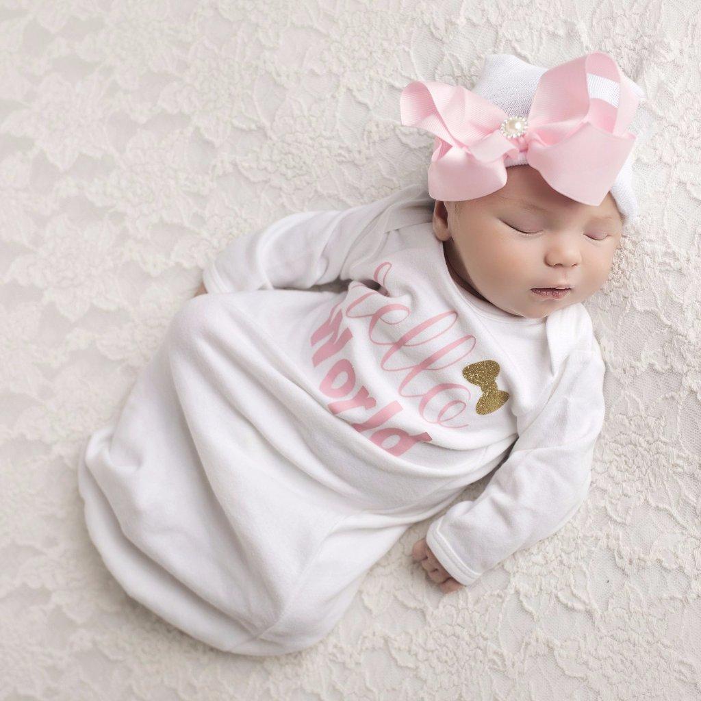 newborn's layette